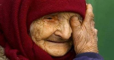 idős néni